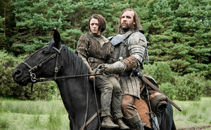 Maisie Williams (Arya Stark) et Rory McCann (the Hound)